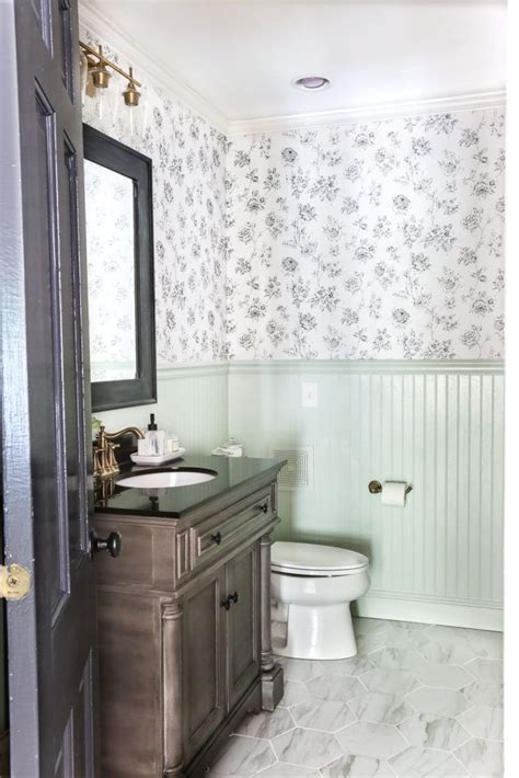 tiling ideas for a small bathroom 15 stunning tile ideas for small bathrooms