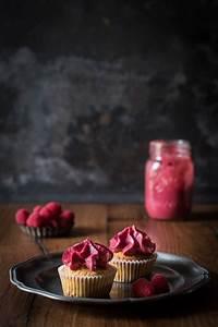 Cupcakes Mit Füllung : himbeer cupcakes mit cremiger f llung kleines kulinarium ~ Eleganceandgraceweddings.com Haus und Dekorationen