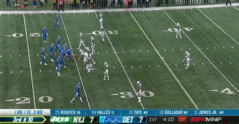 ESPN's new Monday Night Football scorebug now includes ...