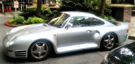 bill gates porsche  spotted  bellevue autoevolution
