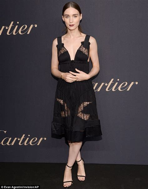 rooney mara sexy rooney mara sexy little black dress at the party yting21