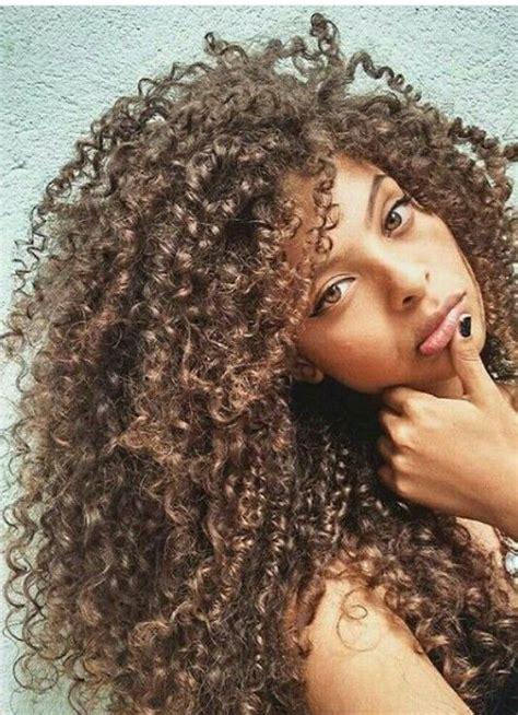 rubio dorado cobrizo largo rizo tipo  cabello rizado