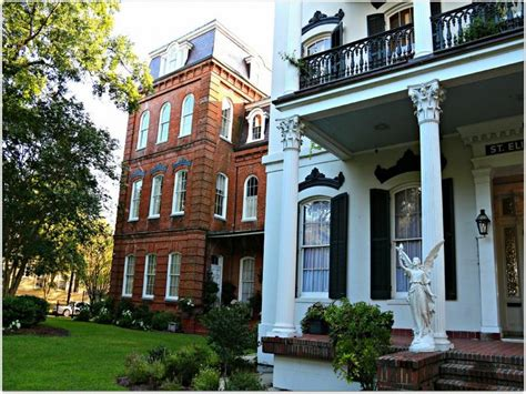 Bloombety  New Orleans Style Home Decorating Condos The