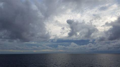 Dark cloudy sky free image