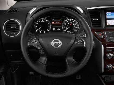 image  nissan pathfinder wd  door sl steering wheel