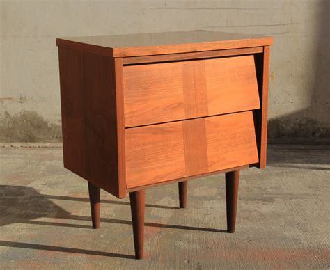 bassett bedroom furniture 1970 s 1960 bassett walnut bedroom furniture pictures to pin on