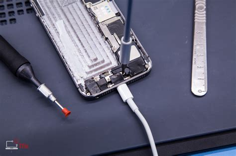 replace iphone 5 charging port iphone 5s charging port replacement apple repair centre