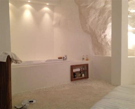 salle de bain provencale chambre parentale avec baignoire encastr 233 e esprits d int 233 rieurs
