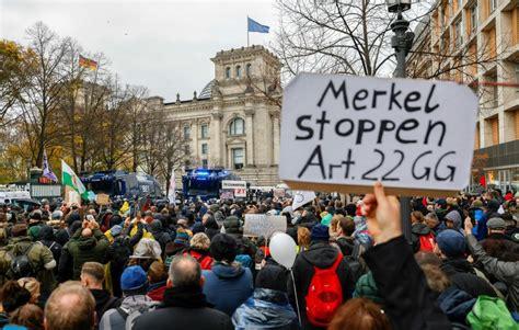 Protesters clash with police in Berlin shutdown demo