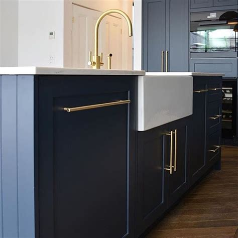 how to paint kitchen cabinet 17 best ideas about navy kitchen on navy 7309