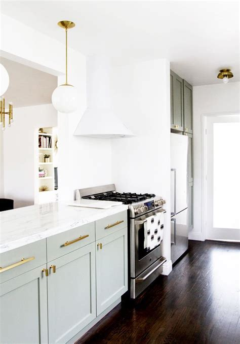 pictures of kitchens with white cabinets 43 best white appliances images on kitchen 9126
