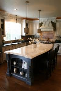 kitchen islands houzz how many pendants should you hang a kitchen island