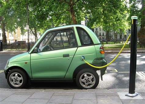 Electric Car Startup Gains Urban Foothold with 30-Minute Charges - Inside Climate News