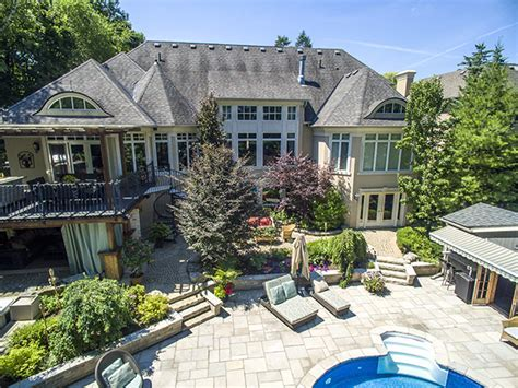 inHouse of the Week: $4mil Home Overlooking a Ravine