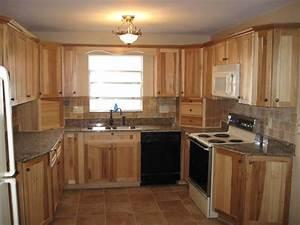 Hickory Kitchen Cabinets: Natural Characteristic Materials