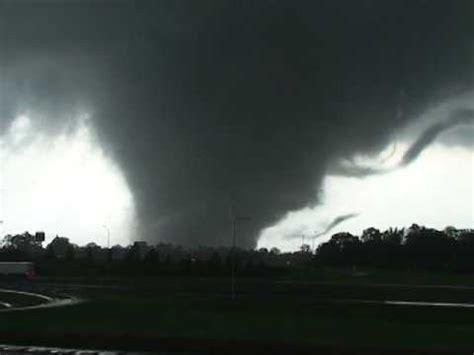foto de April 2011 Tornado Super Outbreak A Look Back YouTube