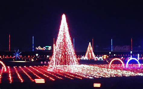 christmas lights at charlotte motor speedway 2017