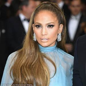 Celebrities Who Wear Hair Extensions And Wigs Daily Mail