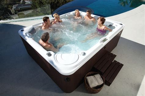 can live in a tub can you use a tub in summer