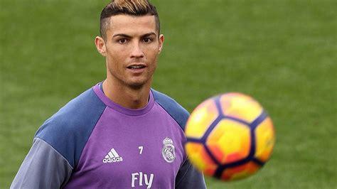 Football Leaks: Die irrsten Vertragsklauseln der Fußball-Stars