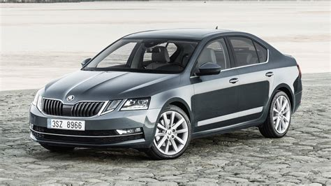 Further details are concealed in the car's rear section and interior. Skoda Octavia - News, Foto, Video, Listino | Motor1.com