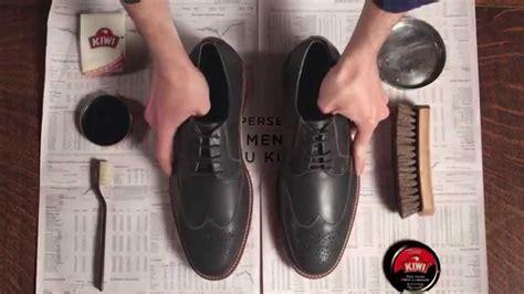 cara menyemir sepatu kulitmu kiwi 174 shoe care youtube