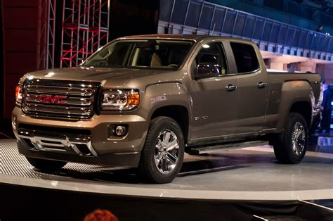 2015 gmc canyon first motor trend