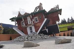 En Autriche Cette Maison Est Construite Sur Le Toit OK