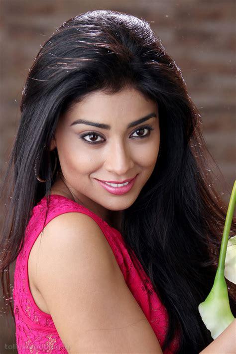 Shriya Saran Latest Photos Stills From Pavitra Movie