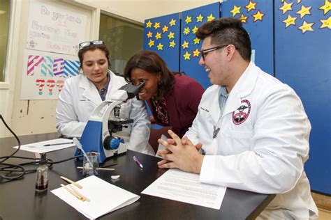 chicago high school science labs receive science labs