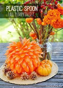 Plastic Spoon Pumpkin Craft for Fall