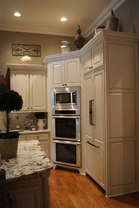 space savvy tips      empty kitchen corner space