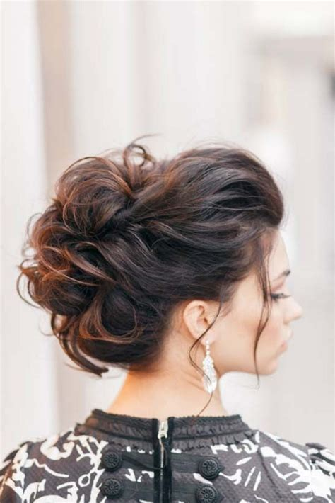 elegant hairstylesfor  holiday celebrations