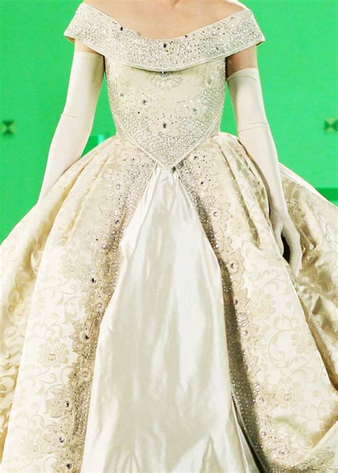 reginas wedding dress    fashion