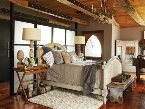 Rustic & Industrial Home With A Very Particular Design