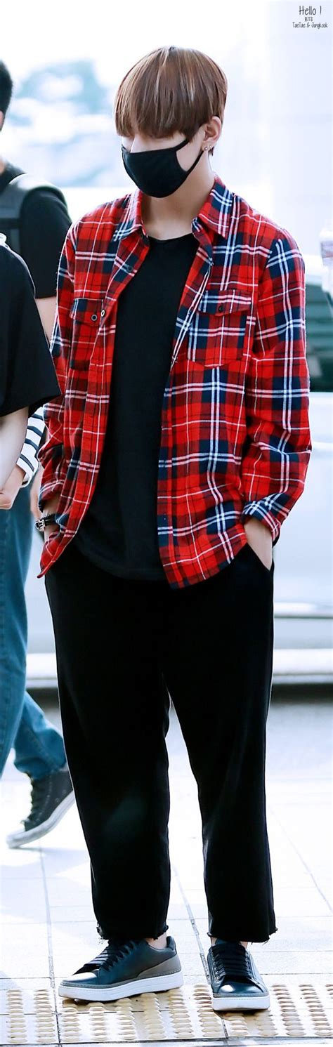 17 Best images about V- KIM TAEHYUNG on Pinterest | Kpop Twitter update and Rap monster