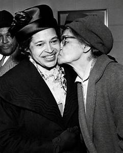 Rosa Parks #2 Photo 8X10 - 1965 Kiss From Her Mother | eBay