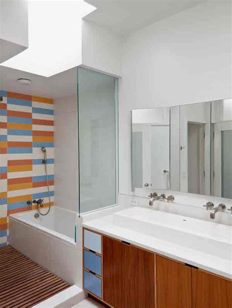 renovating  bathroom experts share  secrets