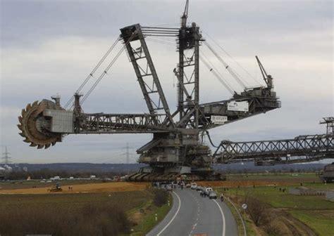largest construction vehicles   world justpasteit