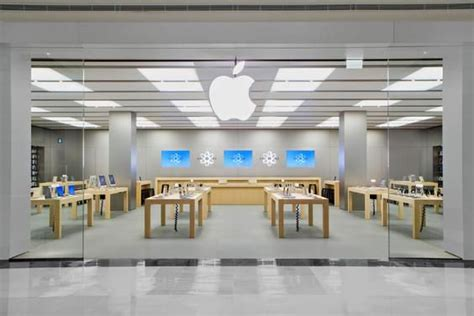 thief robs apple store leaves   samsung galaxy phone store layout samsung  store design