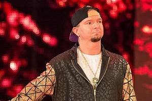 James Ellsworth released by WWE - Cageside Seats  Wwe
