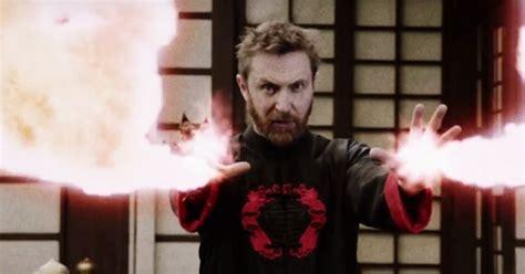 David Guetta Tiene Poderes En El Videoclip De Flames Con