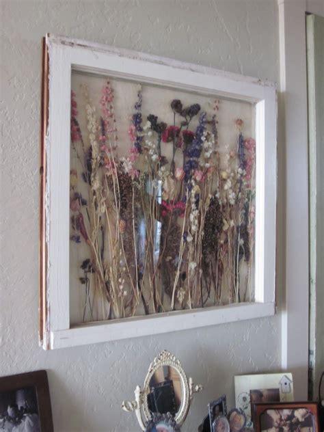 window pane decor http shabbyfarmer dried flowers in vintage