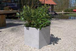 Pflanzkübel Beton Eckig : pflanzk bel beton online kaufen ae trade ~ Orissabook.com Haus und Dekorationen