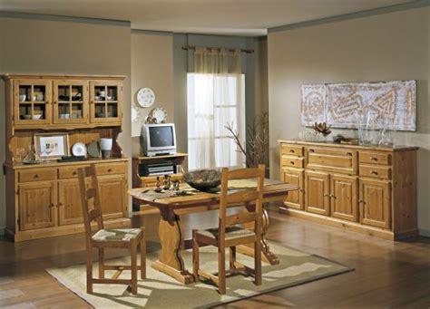 mobili in legno di pino mobili rustici per arredare la zona giorno credenze in