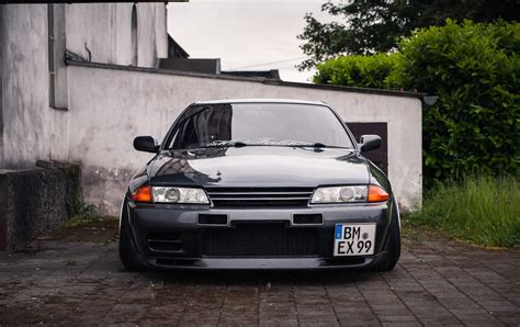 Gtr R32 Wallpaper Hd by Black Car Nissan Skyline Nissan Skyline R32 Nissan Gt