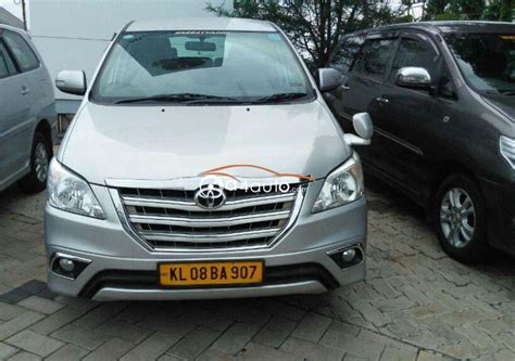 buy toyota innova  diesel model buy  innova