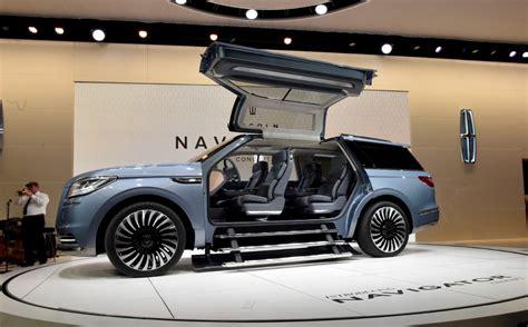 Polarizing Lincoln Navigator Concept Appearing At La Auto