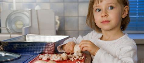 la cuisine pour les enfants faire participer les enfants dans la cuisine