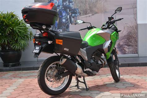 Kawasaki Versys X 250 Image by 2017 Kawasaki Versys X 250 Gets Prototype Givi Boxes Image